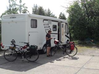 Prachtige Hymer camper voor 4 personen