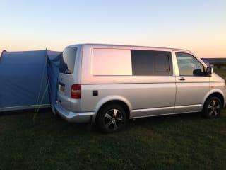 Pembs Campervan – VW Camper in Pembrokeshire geweldig conversie.