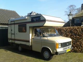 Cute Retro 80's Ford transit MK2 camper