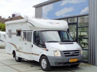 Schöner kompakter Camper für 3 Personen / BC3