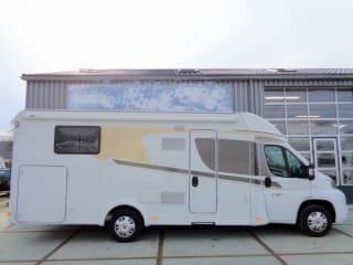 Geräumiger Camper für 4 Personen, Einzelbetten / CSB4
