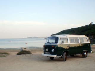 Lola – Lola the classic VWT2 campervan