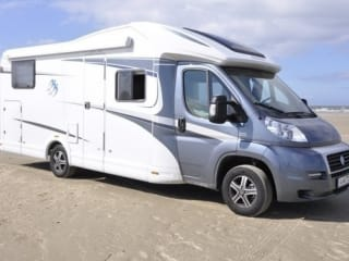 Spacious camper for 4 people, single beds / PSB4