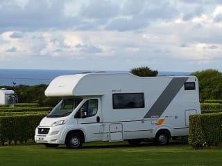 Great value motorhome sleeping up to 6