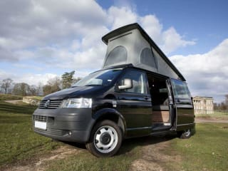 VAN DIESEL – Sporty VW T5 2.5 TDI  Spacious Long Wheel Base  Pop Top Camper