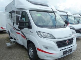 H- type – Compact camper with automatic transmission, luxury camper with automatic satellite dish