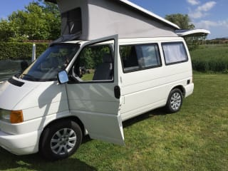 westfalia t4 – Mythical vw t4 westfalia 2.4 d robust and compact