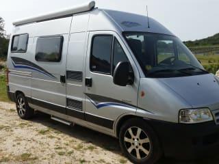 La Farfalla – Pössl Kastenwagen mit 3 Schlafplätzen