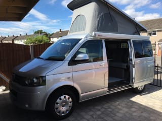 Newley converted VW T5.1 Transporter 4 birth