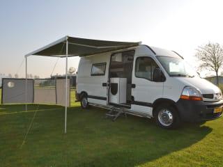 Compleet uitgeruste 2-persoons Renault camperbus met bed tot 175 x 205 cm