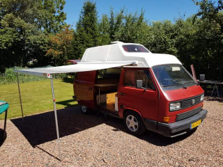 Nice VW T3 Turbo Diesel camper with all the trimmings