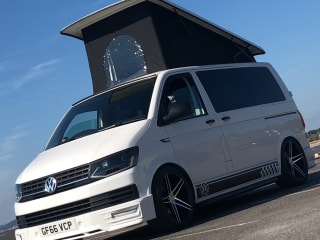 Starlight ⭐️ VW T6  – Starlight ⭐️ VW T6 for hire from £100 per day a bargain for the off season