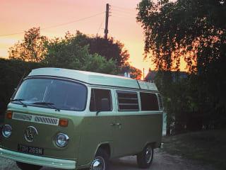 Dave – Klassieke VW Bay Window Glamper Van in Noord-Wales