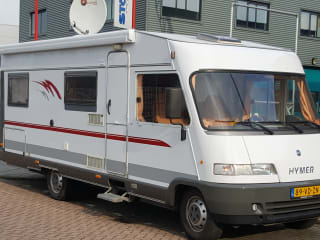 Camper 7-6 Personen Hymer Integralmotor 1998