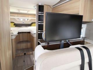 Luxe camper voor de fiets:  Automaat-Sat TV-Dak airco-Fietslift....