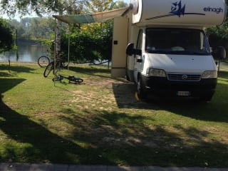 Mironoleggio – Camper rental 6 places with garage