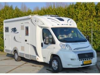 Geräumiges Wohnmobil für 4 Personen, französisches Bett / BF4