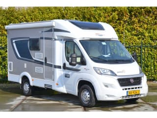 Beautiful new camper for 3 persons with French bed / CC3
