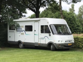 6 persoons hymer – Delicious integral camper (Hymer) with plenty of storage space for 6 people