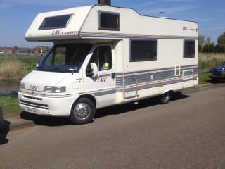 Very spacious family camper 6 person Fiat Ducato 2.8 jitd