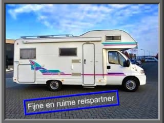 Nice & spacious Adria camper (6 pers.) With garage, fixed bed and inventory!
