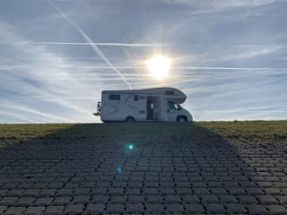 'The King' – Fine, very complete MCLouis Twid 6-person family camper.