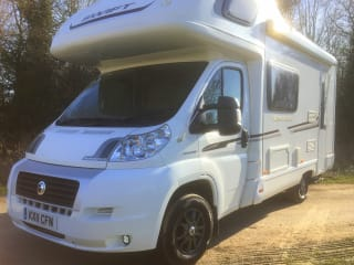 Sundance – 4 Berth Swift Sundance motorhome