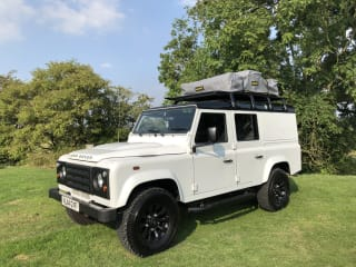 Annie's Lannys – Land Rover Rooftop Camping
