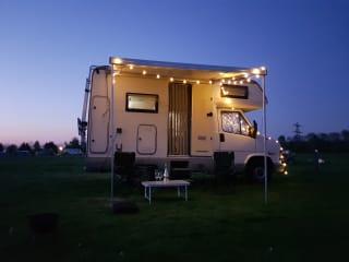 Buddy – Delicious complete camper!