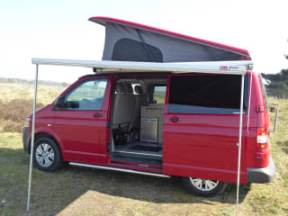 Luxury Volkswagen T5 Automatic 4 Berth Campervan fully equipped