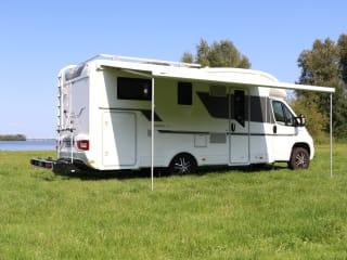Adria Matrix Plus 670 SL – compleet luxe uitgeruste Adria camper uit 2018 !