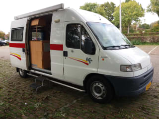 Handzame bus-camper Fiat Ducato grand volume – Een complete goed verzorgde: Fiat Ducato BUSCAMPER.