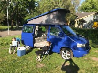 VW Westfalia  – VW T4 WESTFALIA 2.5 TDI CAMPER AIRCO AUTOMAAT GROOT BED!!