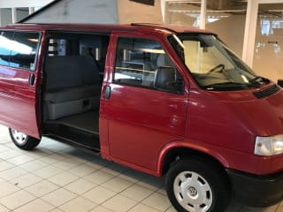 EDGAR – VW T4 MULTIVAN BEACH CALIFORNIA 3 SLEEPS