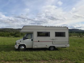 Granduca – Fast neat 5-person Fiat Ducato in the South of France