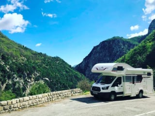 Adventure – 6 berth Motorhome, everything included in price.