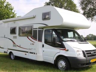 Carado A366 – Grote Familie camper Carado A366  voor 7 personen!!