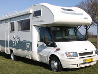 Super Brig 678 - Nice family camper for 7 people!