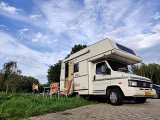 Sjaakkie Trekhaakkie – Completa compatta famiglia Camper 'Sjaakkie Trekhaakkie' a Ibiza in affitto