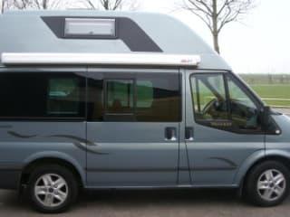 compacte camper Ford NUGGET –  Maak een leuke Road Trip door Nederland. FORD NUGGET met airco 4 pers