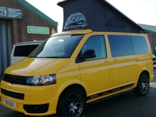 Bumblebee – VW T5 2015 NEWLY CONVERTED CAMPER