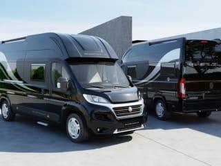 Pathfinder Z - Zwart  – Nieuwe Globe Traveller Pathfinder Z - Zwart 165 Pk (2020)
