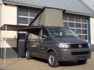 VW T5 California, 4 persoons slaapplekken, 4 zitplaatsen