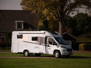 Spacious camper for 2 people, single beds / PSB3