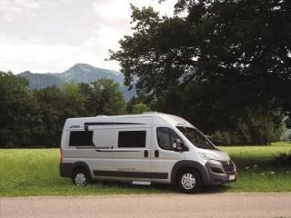 Compacte en comfortabele Camper  Van  - pössl summit 600