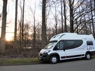 Pathfinder X – Ontdek de voordelen van reizen met deze compacte motorhome!