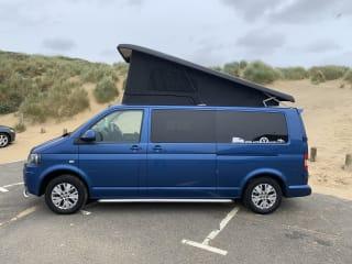Blu T5.1 Highline 140 VW Campervan for hire