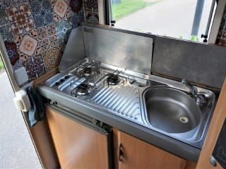 Hymer Swing – comfortabele complete ruime modern ingerichte Hymer Swing.