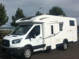 Modern Low profile 5 berth with free WiFi & insurance