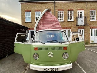 Terri – VW T2 Campervan - Terri